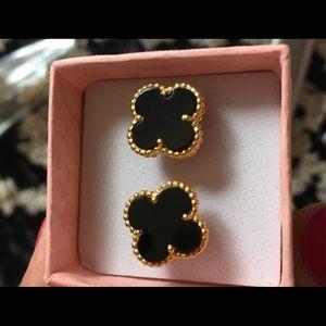 Four clover leaf in black onyx studs earrings